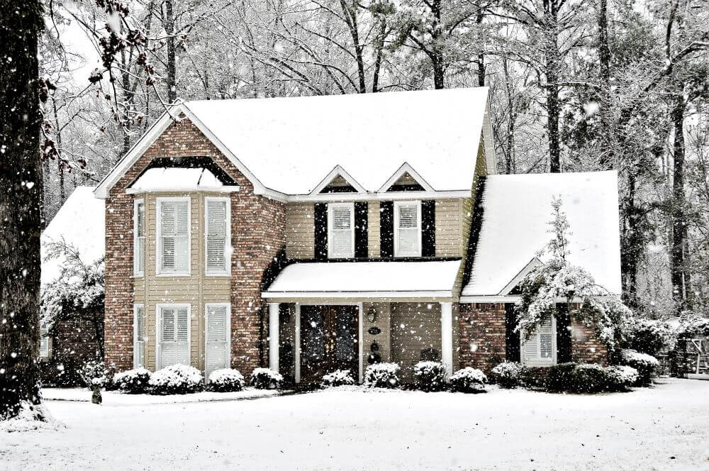 4 Simple Winter Home Improvement Projects for a Pest-Free Home