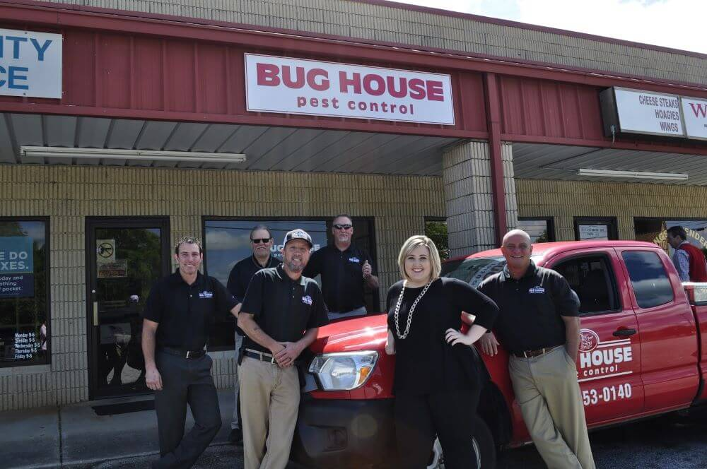 4 Benefits of Using a Local Pest Control Company